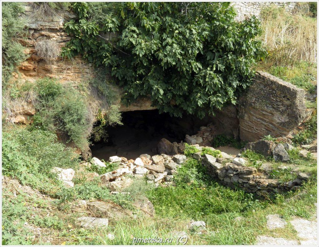 Гроты и пещеры Калиакры