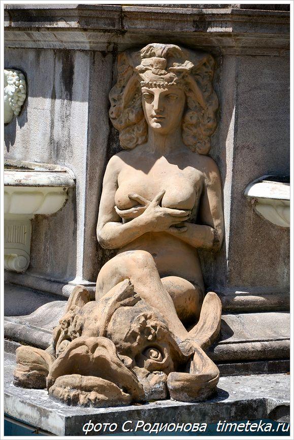 Скульптура вакханки