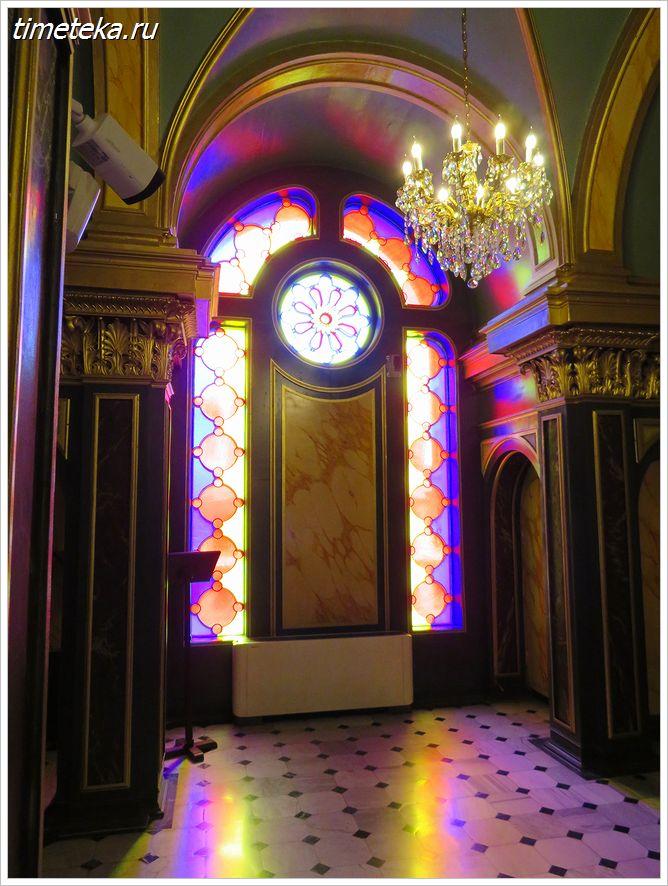 Интерьер храма святого Стефана в Стамбуле