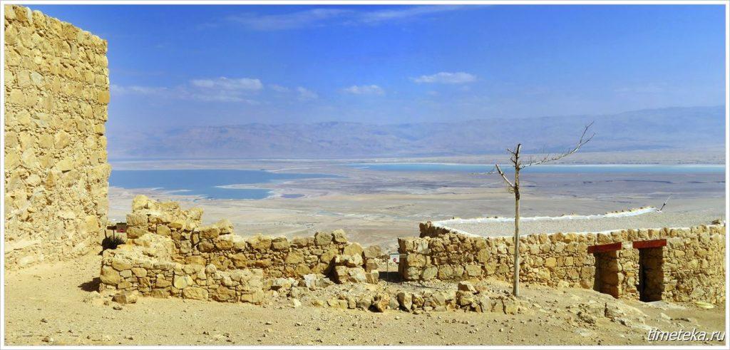 Вид на Мертвое море с горы Масада