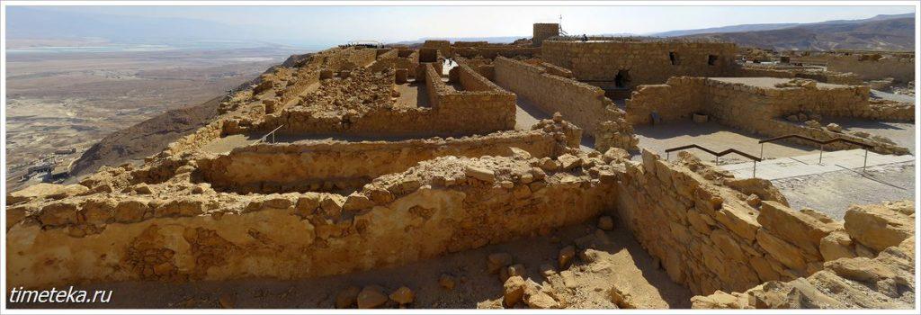 Фортификационные сооружения на вершине Масады