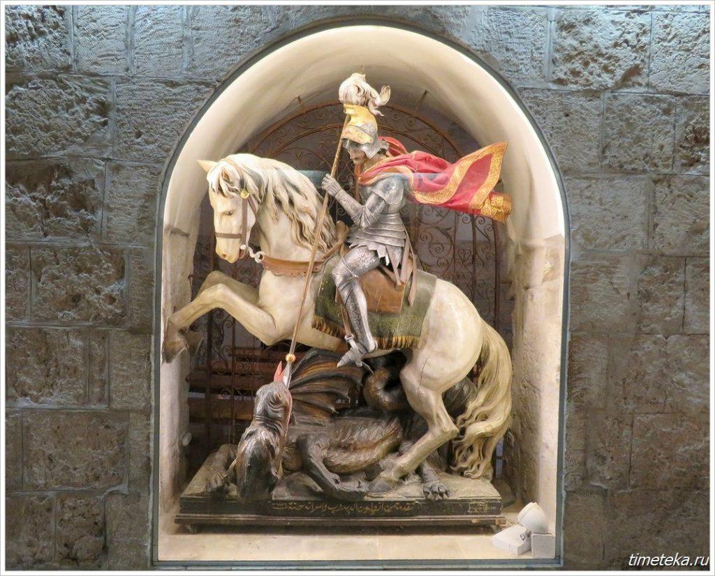 Статуя Георгия Победоносца в Вифлееме