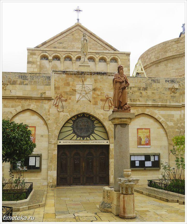 внутренний дворик Церкви Святой Екатерины